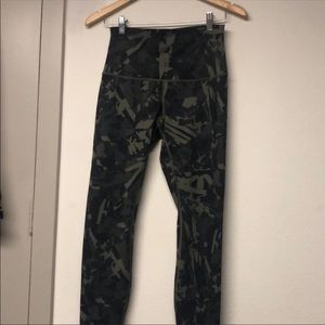 Lululemon gator camp pants